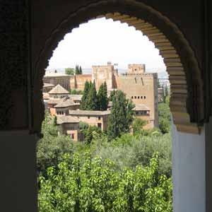 Visite Guidée de l`Alhambra avec Billets d`entrée et Guide; Depuis Herradura, Almunecar, Salobreña et Motril