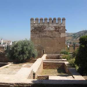 Visite Guidée de l`Alhambra avec Billets d`entrée et Guide; Depuis Malaga et Nerja
