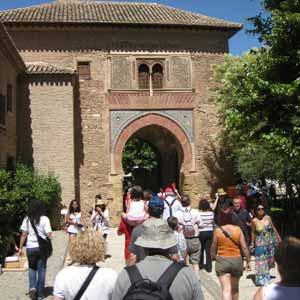 Visita Guiada Alhambra con Entradas y Guía - Desde Estepona