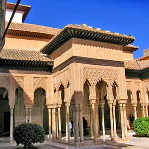 Alhambra Tour with Tickets and Expert Guide from Marbella and San Pedro