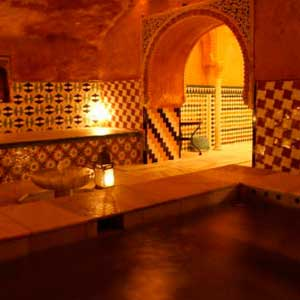 Alhambra Tour with Tickets and Expert Guide + Arab Hamman Baths