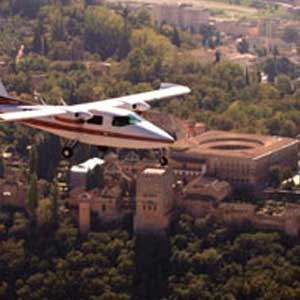 Alhambra Tour with Tickets and Expert Guide + Panoramic Flight over Granada
