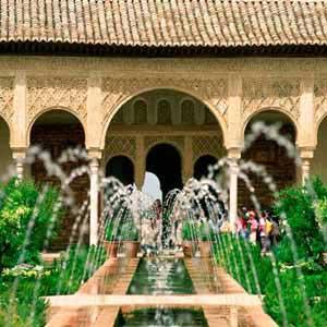 Alhambra Tickets für eine  Besichtigung mit lokaler Führung für Gruppen