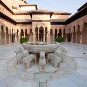 Visite Guidée de l`Alhambra avec Billets d`entrée et Guide; Groupe Privé