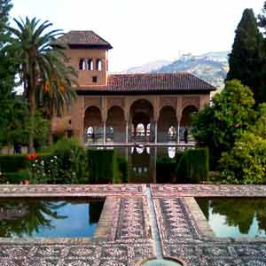 Tour and ticket to visit Alhambra from Seville